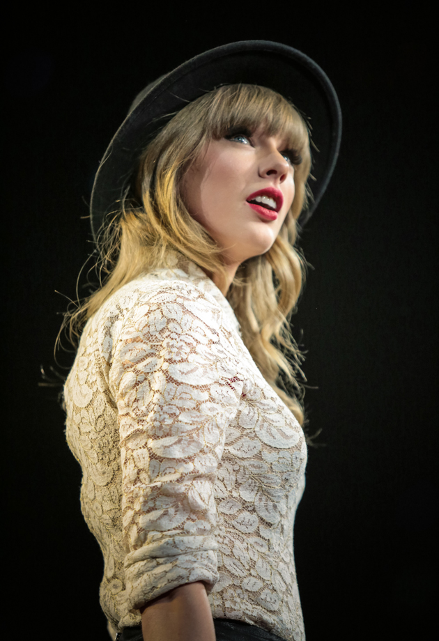 taylor swif red tour in omaha taylor swift voltagebd Gallery